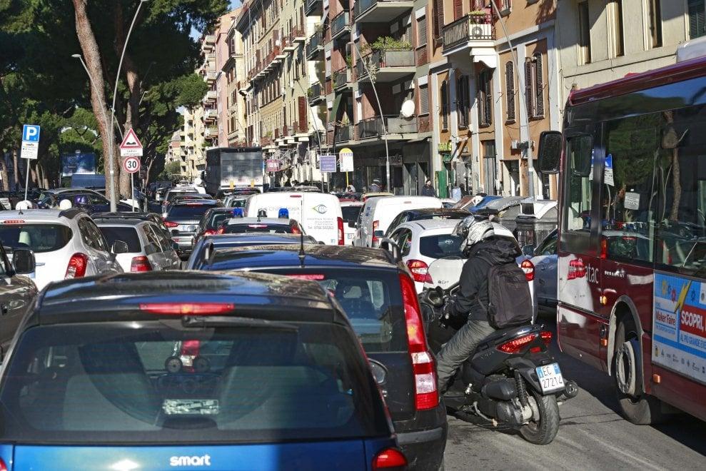 Roma, tangenziale: traffico impazzito, riaperta in serata