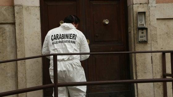Roma, gli anarchici del Fai rivendicano bomba esplosa davanti caserma carabinieri a San Giovanni