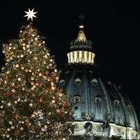 Magia di luci per il Natale in piazza San Pietro: si accendono albero e presepe