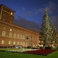 Roma, addobbato l'albero di Natale in piazza Venezia