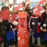Roma, le lettere per Babbo Natale si imbucano all'ufficio postale
