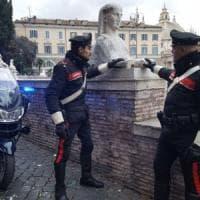 Roma, danneggiata statua di una sfinge in piazza del Popolo. Ipotesi vandali