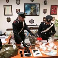 Roma, sette chili di droga e una calibro 9: arrestati tre pusher a Tor Vergata