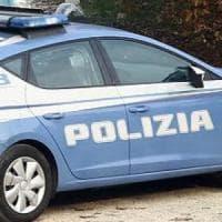 Roma, aspetta bambina fuori scuola e pretende bacio: arrestato 83enne