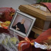 A Trastevere l'addio a Lando Fiorini: Roma saluta l'ultimo dei suoi grandi