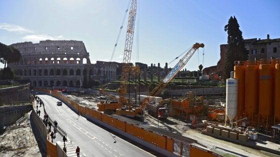 Metro C Roma, al Colosseo cantiere fermo senza l'ok del Comune
