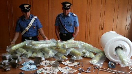 Operazione Amnesia, droga dalla Capitale a Fondi: otto arresti