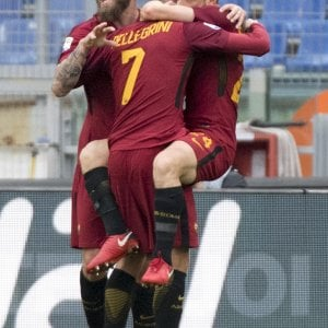 Roma, De Rossi e Nainggolan a rischio squalifica l'ipotesi del ballottaggio per averli contro l'Inter