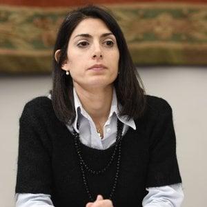 """Roma, Raggi chiede giudizio immediato. La sindaca: """"Certa della mia innocenza"""""""