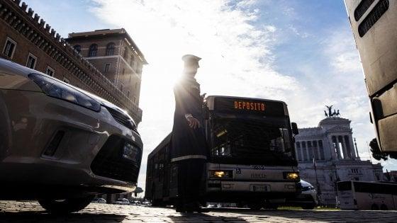 Roma, venerdì nero per lo sciopero dei trasporti: ferme metro A e B e ferrovia Roma-Lido
