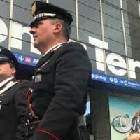 Roma, inscenava balletti per strada per rapinare i turisti: arrestato