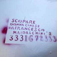 """Monteverde, vandali imbrattano auto con """"messaggi pubblicitari"""""""