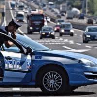Roma, per sfuggire alla cattura latitante punta la pistola contro gli agenti
