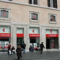 Roma, rubò chitarre elettriche da Feltrinelli: