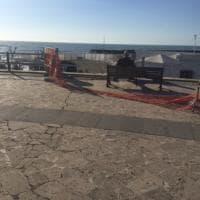 Ostia, il cantiere della Rotonda non parte: i residenti spostano le transenne