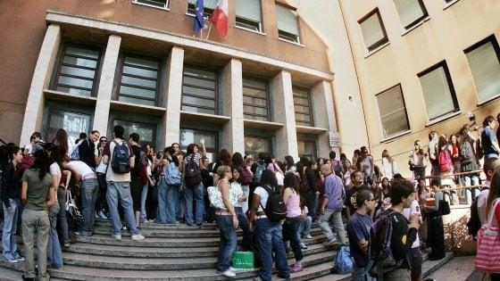 Roma, malore dopo abuso di alcol al liceo Russell: grave una ragazza