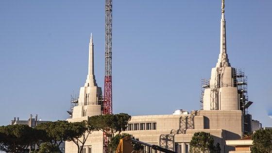 """Roma, il grattacielo dei mormoni verso il taglio del nastro:  """"Un tempio sfarzosissimo"""""""