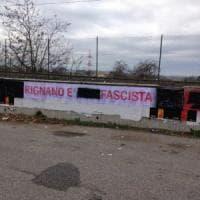 Rignano Flaminio, scritte fasciste e danni a striscione di Pd e LeU. Il sindaco revoca sala consiliare a CasaPound