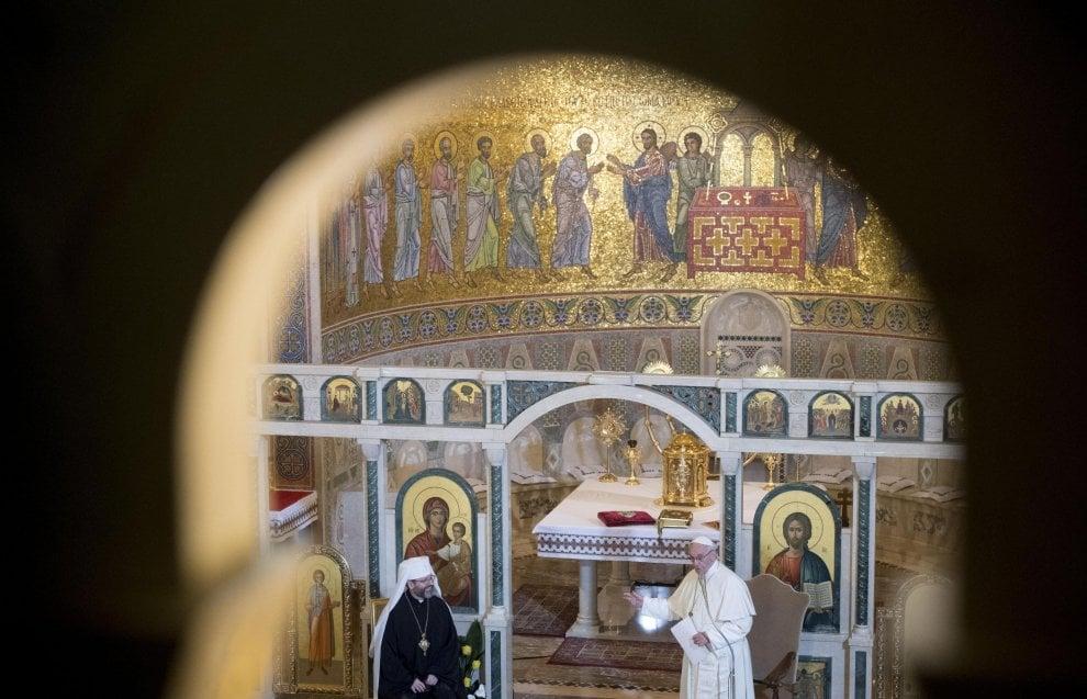 Roma bagno di folla per il papa nella basilica greco - Bagno 99 cattolica ...