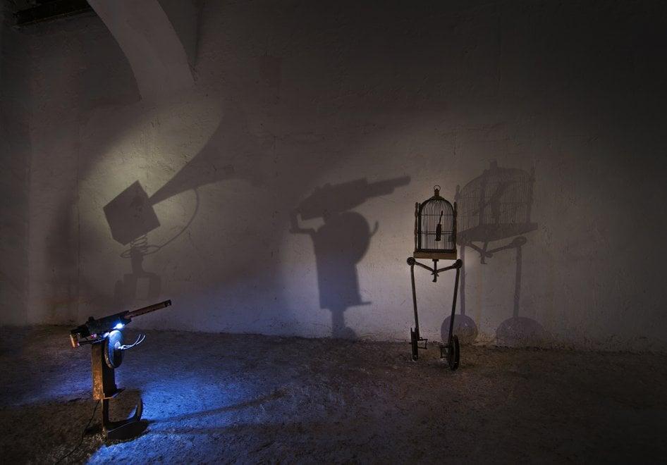 Roma, un allegro teatro dell'assurdo per l'ultima mostra di Lea Mattarella