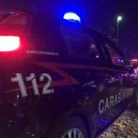 Roma, si fingeva prostituta per adescare uomini: il complice li rapinava. Arrestati