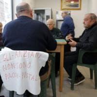 Roma, quei 600 nonni sulle barricate:
