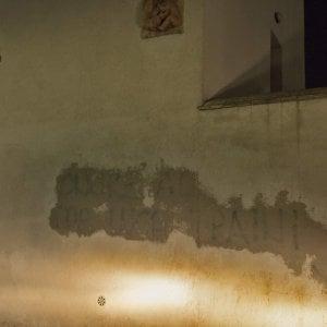 Roma, ancora scritte pro Traini e svastiche sui muri della città contro Boldrini