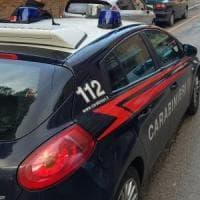 Roma, 84enne interrompe la relazione: lui dà fuoco alla porta di casa: denunciato