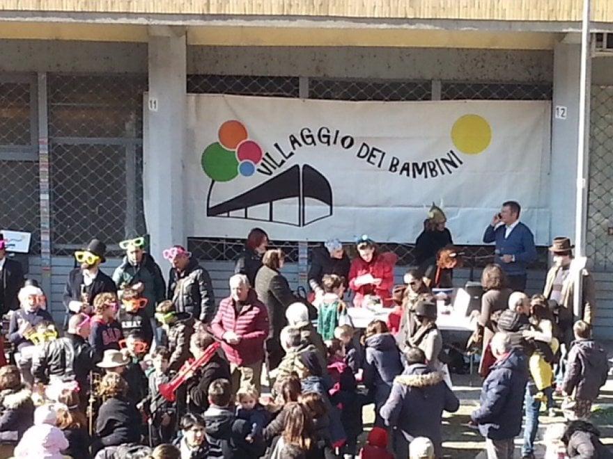 Roma, il Villaggio Olimpico in festa: al Carnevale dei bambini anche la ministra Madia