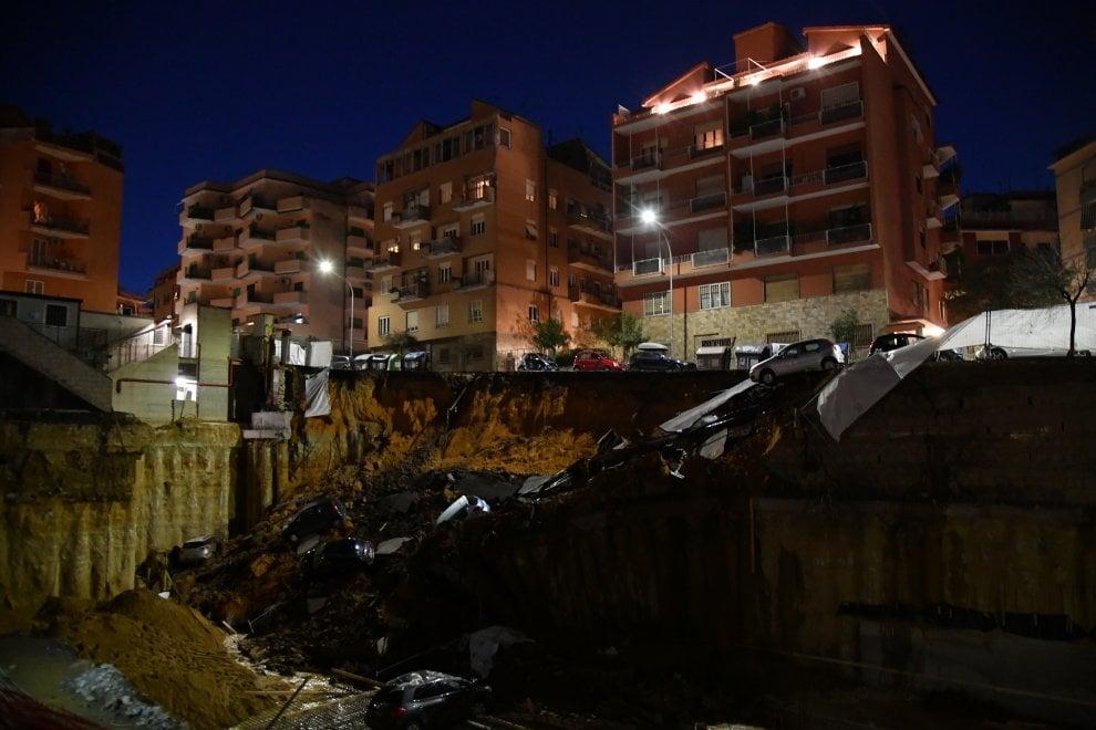 Жители двух близрасположенных многоэтажных домов были временно эвакуированы. 77e66188c3d