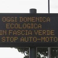 Roma, smog, domenica blocco delle auto