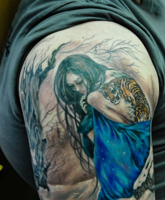"Roma, tatuaggi al femminile con ""The other side of the ink"""