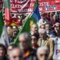 Roma, città blindata per cortei e sit-in. Grasso in marcia con l'Anpi