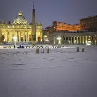 La magia della neve a San Pietro e al Colosseo
