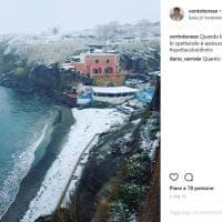 La neve arriva sulle isole del Lazio: Ponza e Ventotene si tingono di bianco