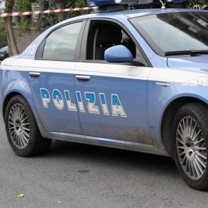 Genzano, accoltella il fratello e aggredisce agenti: arrestato