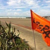 Denunciarono gli abusi nella spiaggia di Ostia. Il Comune: