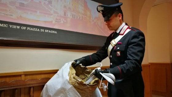 Roma, ruba capi di lusso per 7.000 euro alla Rinascente: arrestato
