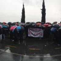 Roma, aule fredde, infissi rotti: la protesta degli studenti del Pasteur