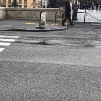 Emergenza buche a Roma: le foto dei lettori / 1