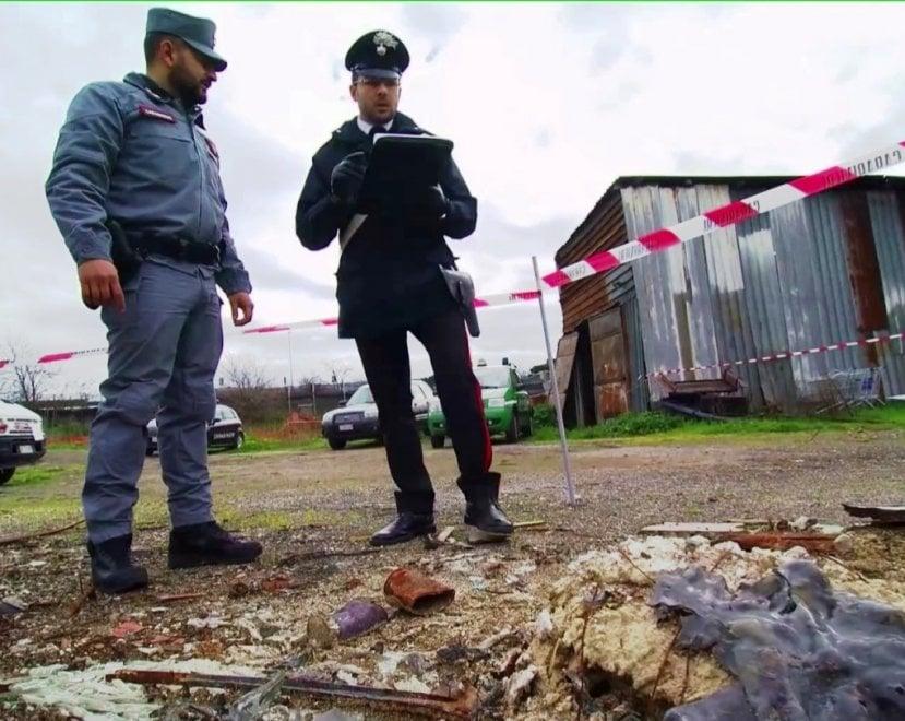 Roma, discarica abusiva in un'area archeologica: denunciato un membro della famiglia Casamonica