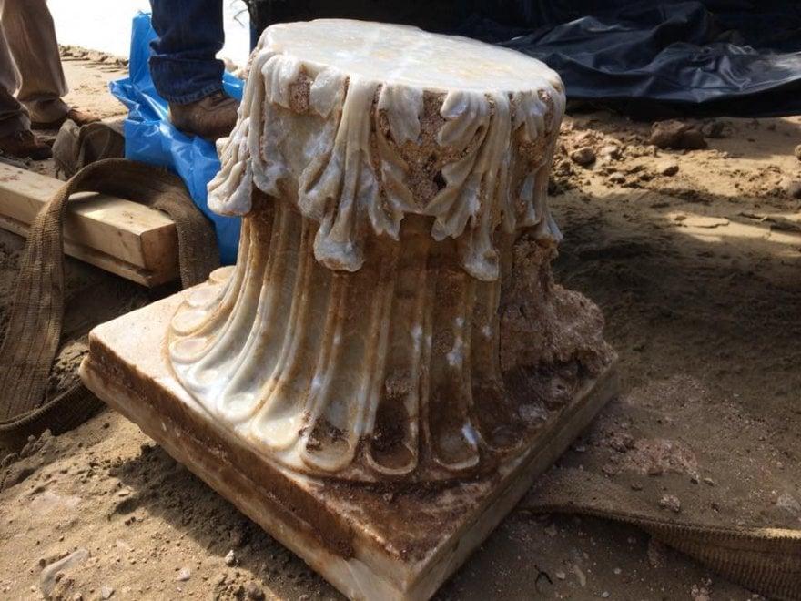 Archeologia, pescatore trova capitello corinzio sulla spiaggia di Sperlonga