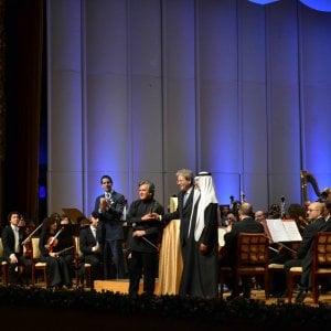 Santa Cecilia, trionfo negli Emirati Arabi. E sul palco sale Gentiloni