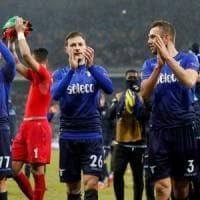Europa League, Dinamo Kiev-Lazio 0-2: Leiva e De Vrij portano i biancocelesti