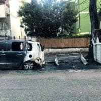 Roma, cassonetti bruciati caccia ai vandali Ama: