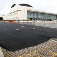 Roma, all'Eur asfalto sui sampietrini per i bolidi di Formula E