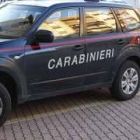 Roma, borseggiava turiste dopo averle sporcate con la nutella spray: arrestato
