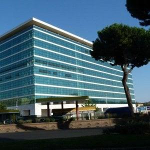 Roma, delibera piazza dei Navigatori: proteste  in Aula Giulio Cesare