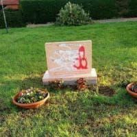 Latina, imbrattata la stele alla memoria di una vittima delle Foibe