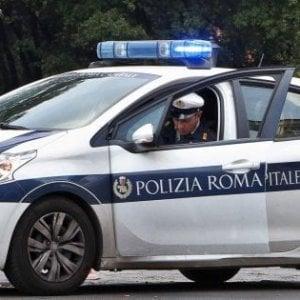 Roma, schianto auto-moto: grave centauro